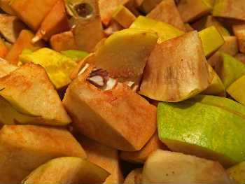 Варенье из айвы- самый вкусный рецепт_очищенные ломтики айвы