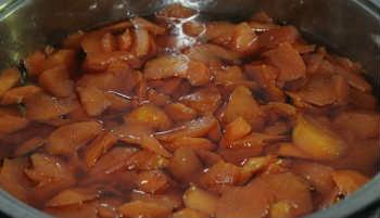 Варенье из айвы- самый вкусный рецепт_ варенье в кастрюле