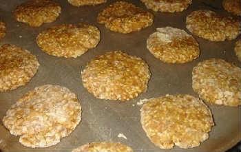 Кунжутное печенье рецепт_на противене