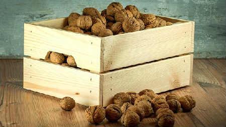 В каких продуктах много железа_орехи