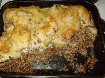 Гречка с курицей в духовке с сыром_запеченная