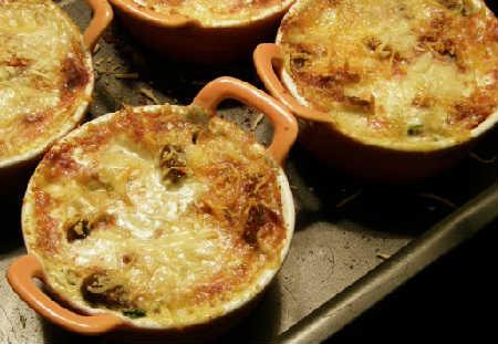Рецепт жульена с грибами и сыром_ и курицей в духовке