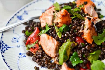 Чечевица: польза и вред, рецепты приготовления_салат