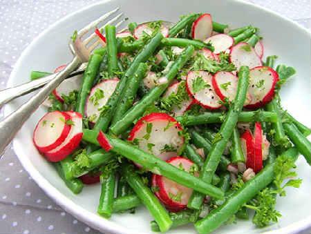 _салат из спаржевой фасоли и редиски
