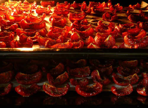 Kak-prigotovit-vjalenye-pomidory1