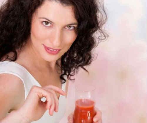 Chem polezen tomatnyj sok2