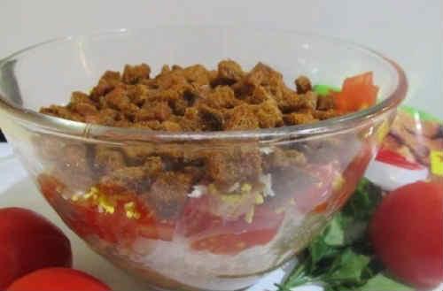 Salat iz kil'ki v tomatnom souse2