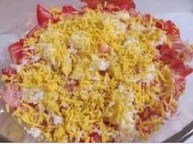 Salat iz kil'ki v tomatnom souse8