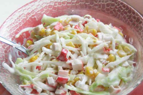 Salat krabovye palochki kukuruza jajca6