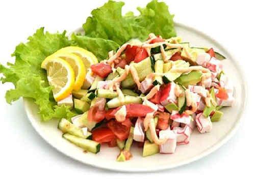 Salaty s avokado i krabovymi palochkami3