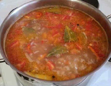 Sup iz kil'ki v tomatnom souse3