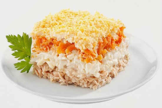Salat Mimoza s pechen'ju treski4