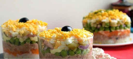 Salat iz pecheni treski konservirovannoj