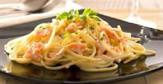 Pasta s lososem v slivochnom souse3