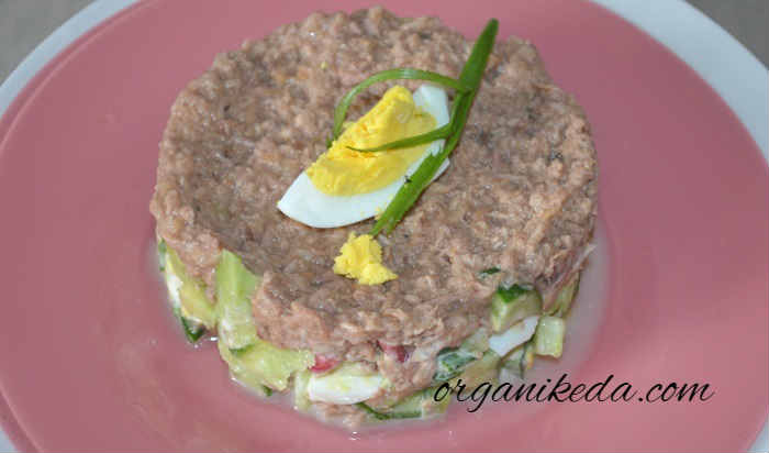 Salat s avokado i tuncom10