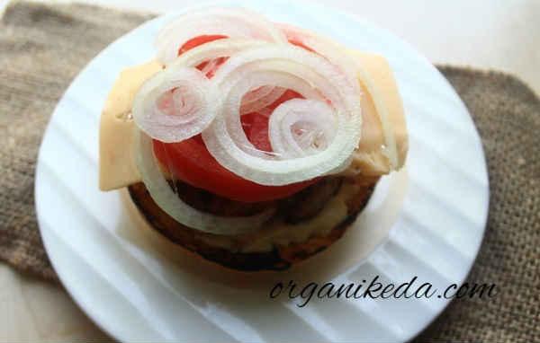 Gamburger v domashnih usloviyah recept foto11