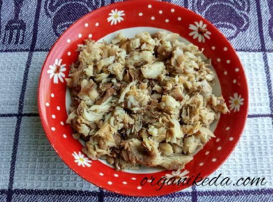 Salat s kopchenoj skumbriej2