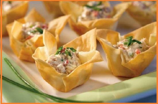 Salat s tuncom konservirovannym klassicheskij recept8