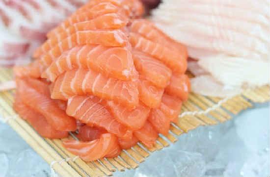 Kak posolit' losos' v domashnih usloviyah vkusno1