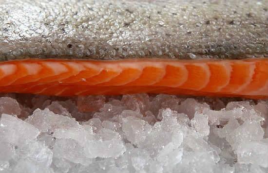 Kak posolit' losos' v domashnih usloviyah vkusno2