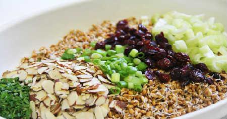 Пророщенная пшеница польза и вред, советы врачей_салат