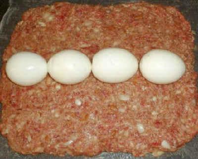 Rulet iz farsha s jajcom v duhovke