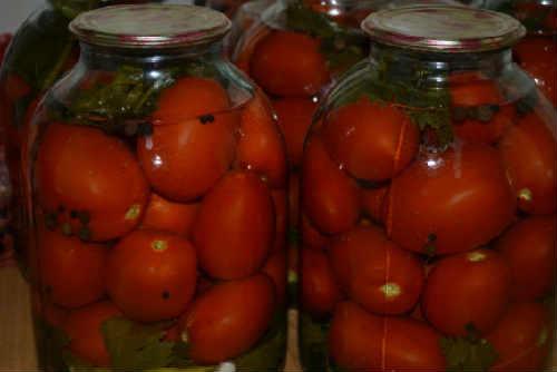 Консервирование помидоров на зиму очень вкусные