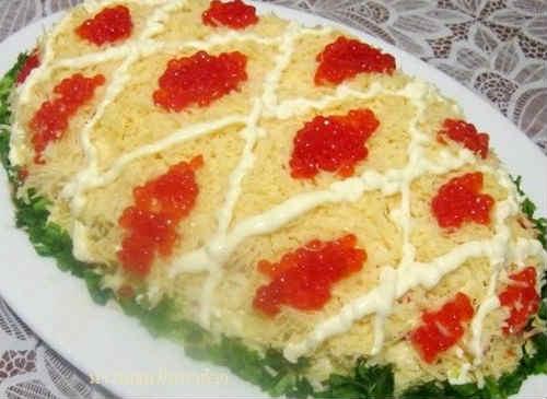 Salat carskij s krasnoj ikroj i kal'marami1