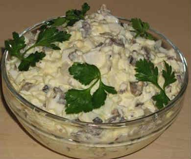 Salat iz kal'marov prostoj i vkusnyj6