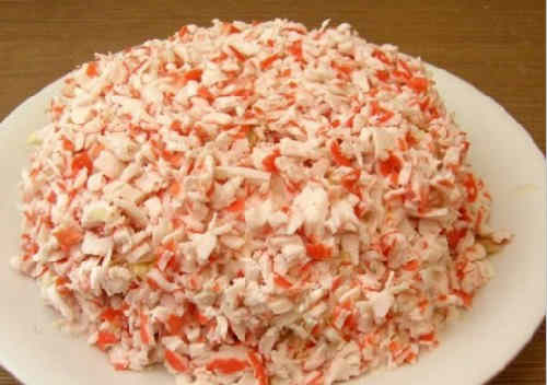 Salaty s krabovymi palochkami vkusnye novye prostye16