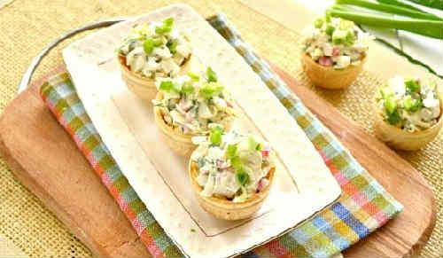 Salaty s krabovymi palochkami vkusnye novye prostye3