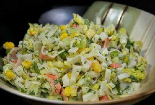 Salaty s krabovymi palochkami vkusnye novye prostye6