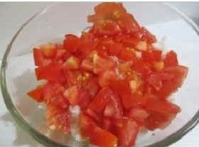 Salat iz kil'ki v tomatnom souse6