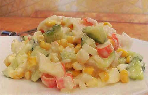 Salaty s avokado i krabovymi palochkami2
