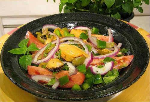 Salat s midijami konservirovannymi4