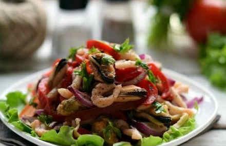 Salat s midijami konservirovannymi6