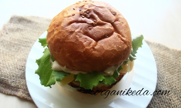 Gamburger v domashnih usloviyah recept foto13
