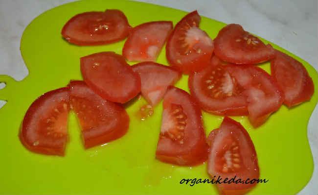Salat iz kabachkov i pomidorov5