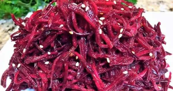 Salat so svekloj i greckimi orekhami3