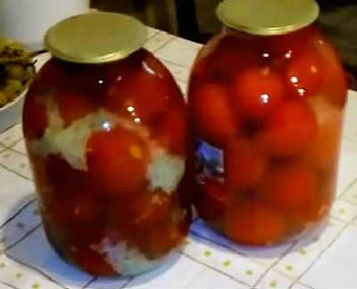 Pomidory v snegu s chesnokom na zimu1