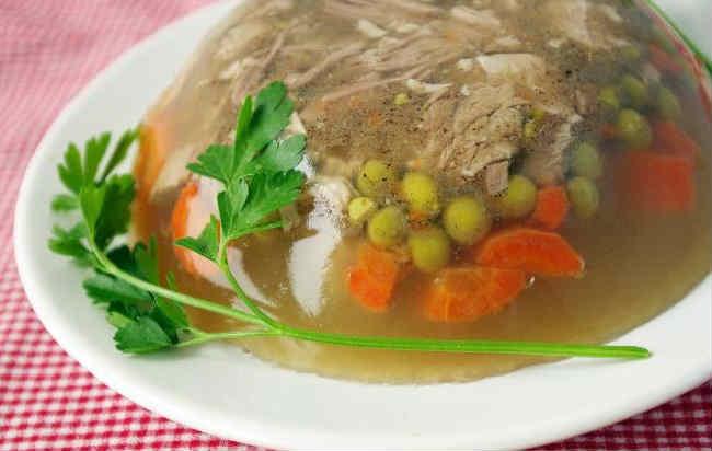 Holodec iz svinyh nozhek vkusnye recepty