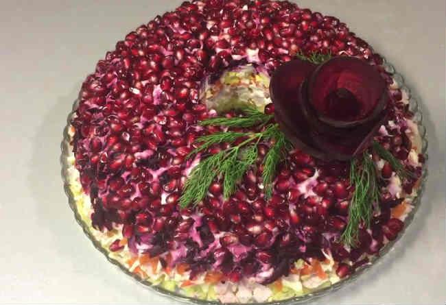 Kak prigotovit' salat Granatovyj braslet21