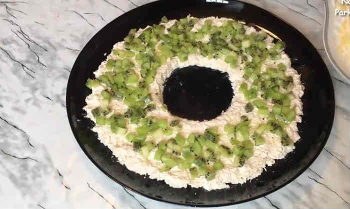 Salat s kivi15