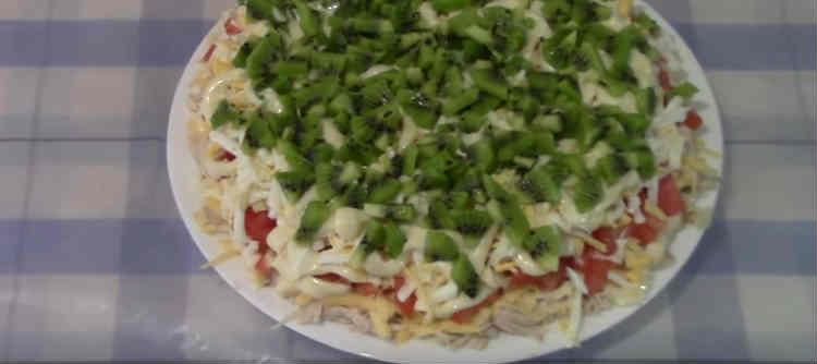 Salat s kivi38