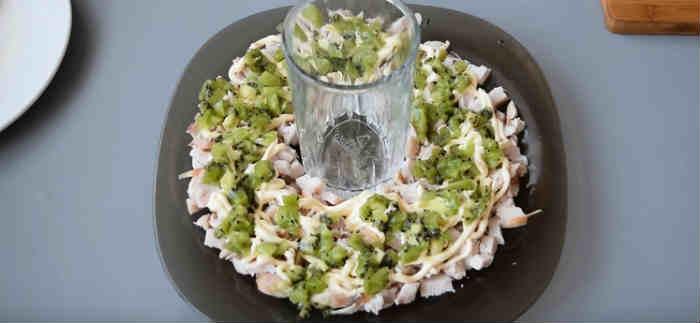 Salat s kivi4