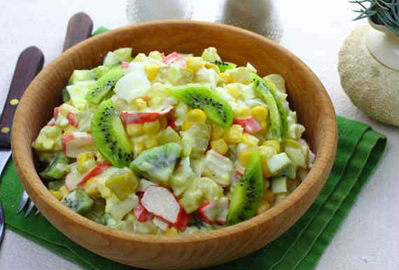 Salat s kivi44