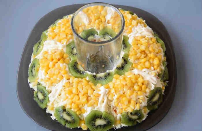 Salat s kivi8