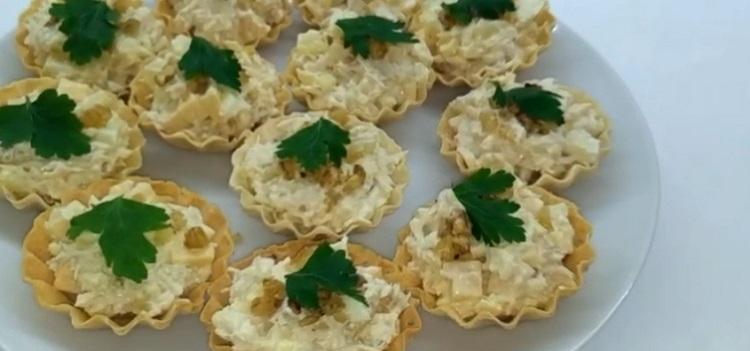 Тарталетки с курицей и ананасом—3 пошаговых фоторецепта