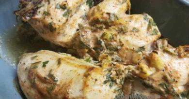 Куриная грудка под сметанным соусом в духовке — самый вкусный рецепт