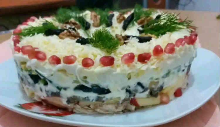 Salat Nezhnost' s kuricej i chernoslivom20